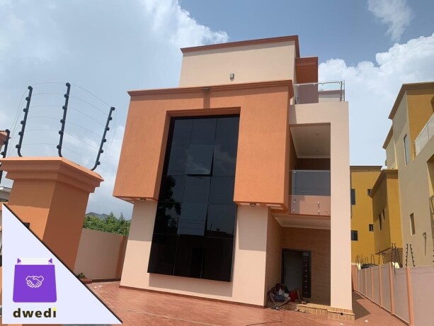 5 bedrooms house for sale at eastlegon adjiringanor