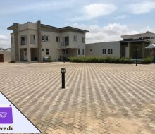 4bedroom-townhouse-with-swimming-pool-and-gym-centre-forrent-at-tse-addo-small-14
