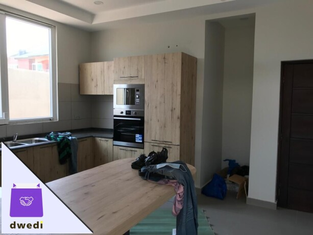 4bedroom-townhouse-with-swimming-pool-and-gym-centre-forrent-at-tse-addo-big-2