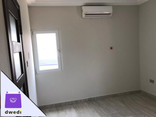 4bedroom-townhouse-with-swimming-pool-and-gym-centre-forrent-at-tse-addo-big-8