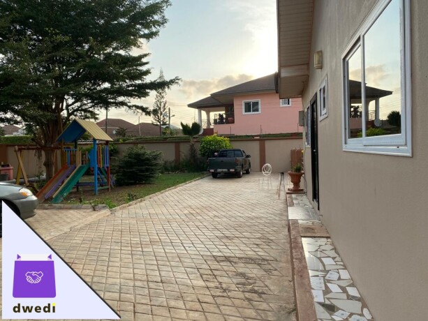 2bedroom-house-in-a-gated-community-for-rent-at-trasacco-big-2