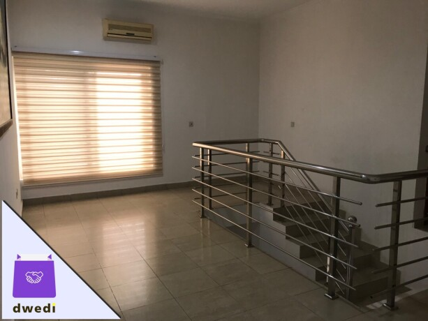 fully-furnished-3bedroom-townhouse-for-rent-at-airport-residential-big-10