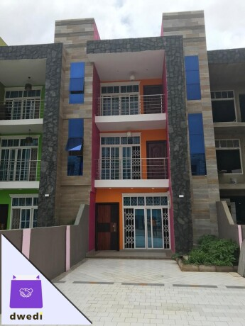 4bedroom-town-house-for-sale-at-kwabenya-atomic-big-2