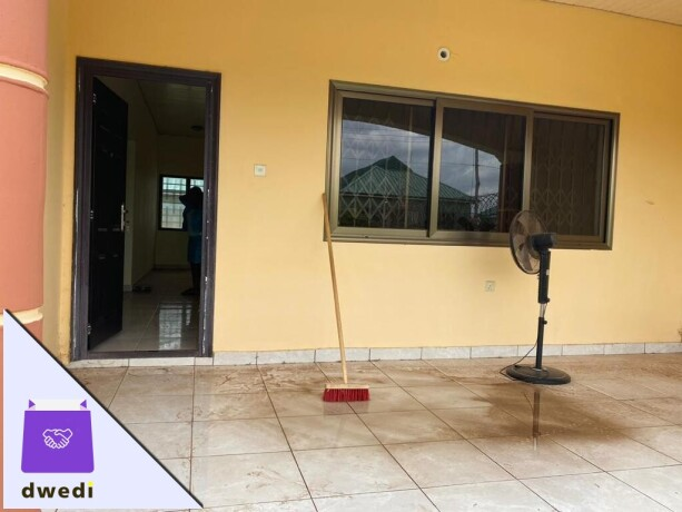 2bedroom-house-for-rent-at-lakeside-estate-big-5